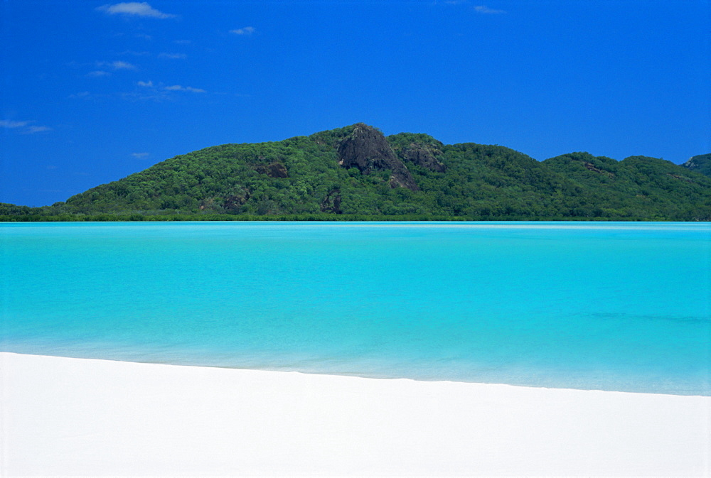 Whitehaven Beach, one of the finest in the country, on the east coast of Whitsunday Island, Whitsunday Group, Queensland, Australia