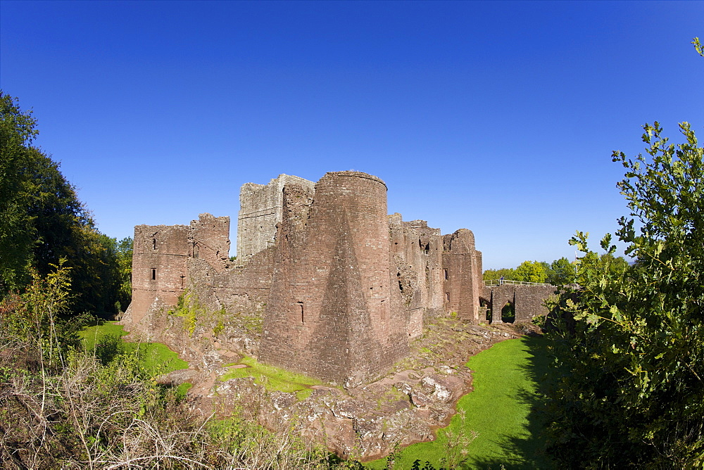 Goodrich Castle, Forest of Dean, Herefordshire, England, United Kingdom, Europe - 831-1493