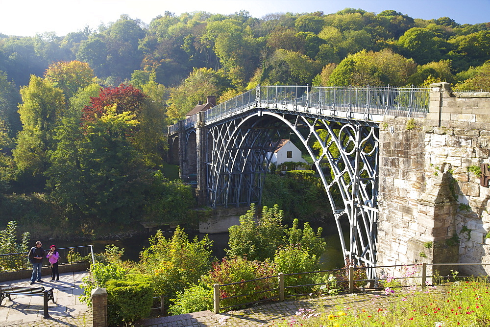 Worlds first iron bridge spans the banks of the River Severn in autumn sunshine, Ironbridge, UNESCO World Heritage Site, Shropshire, England, United Kingdom, Europe - 831-1503