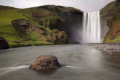 Skogafoss waterfall, Skogar, South Iceland, Iceland, Europe