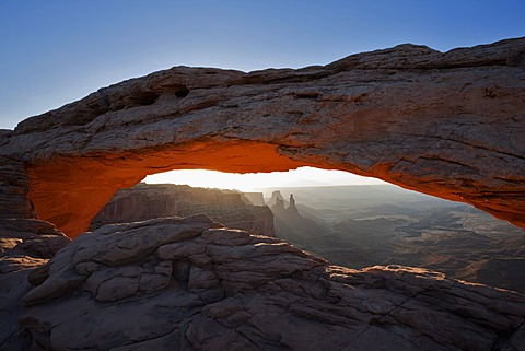 Mesa Arch, natural stone arch, Island in the Sky, Canyonlands National Park, Utah, USA