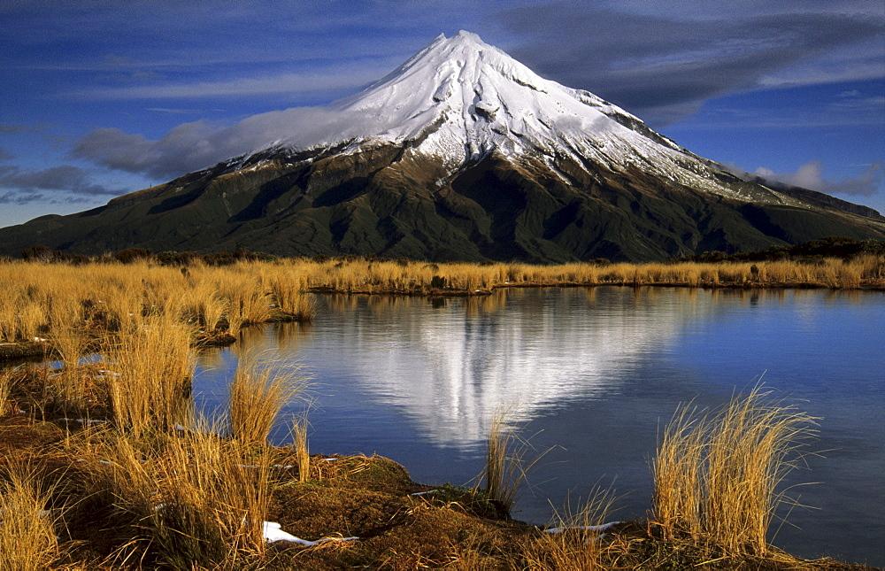 Reflection of Mount Taranaki in the Pouakai Tarns, Taranaki, Mount Egmont National Park, North Island, New Zealand - 832-376125