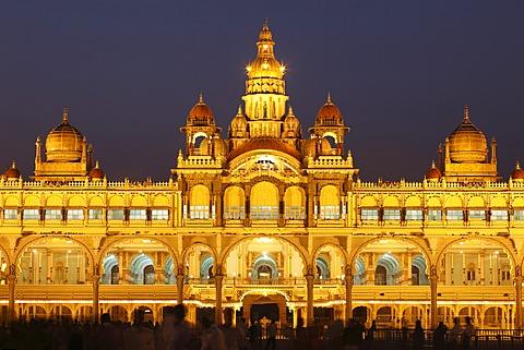 Maharaja Palace, Mysore Palace, illumination at night, Mysore, Karnataka, South India, India, South Asia, Asia