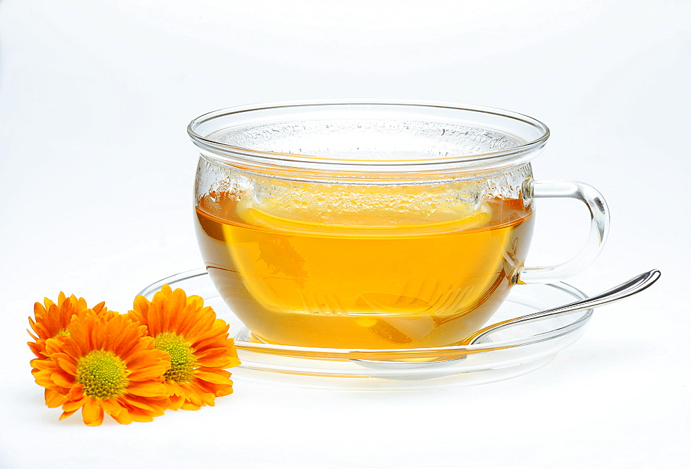 Tea with chrysanthemum decoration, jasmine tea