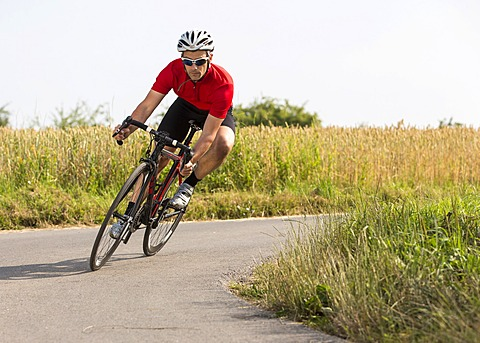 Cyclist, 44 years, riding a racing cycle, Winterbach, Baden-Württemberg, Germany