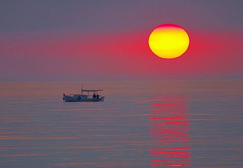 Sunst, Kyparissias Bay, Peloponnese, Greece