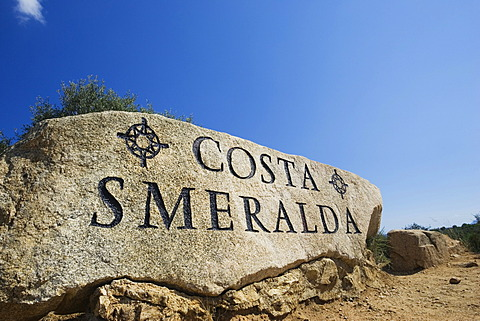 "Rock with inscription ""Costa Smeralda"", Sardinia, Italy - 832-377956"