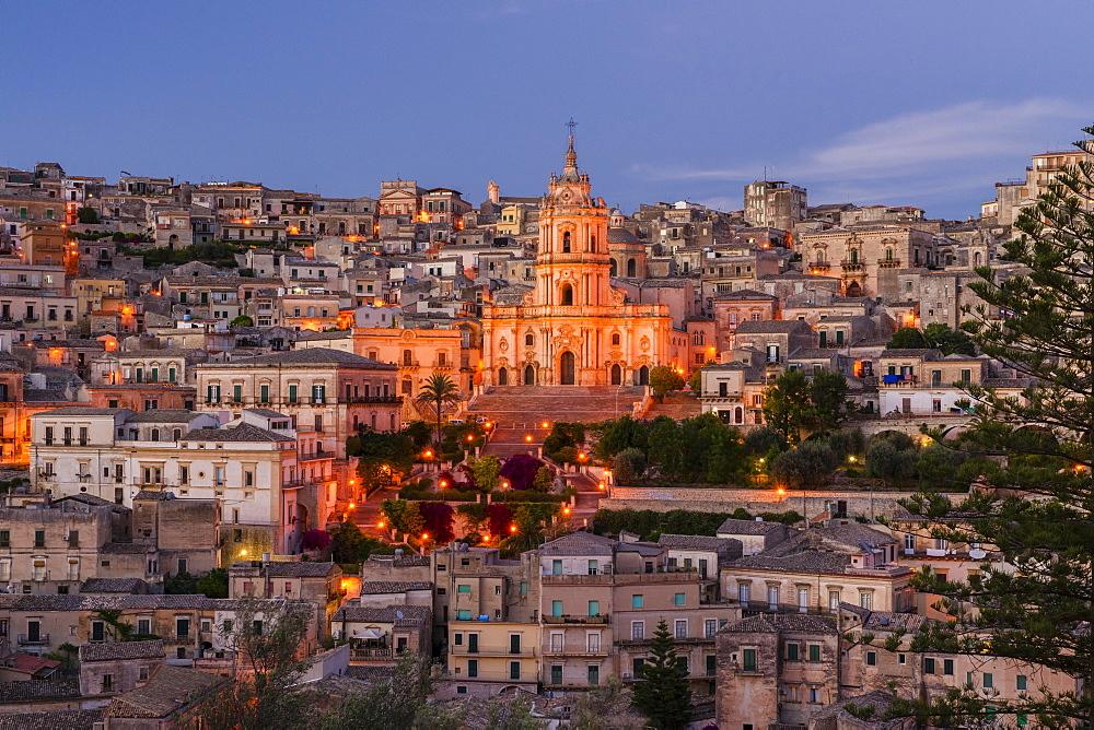 Dawn, Old Town, Cathedral Duomo di San Giorgio, Baroque, Modica, Monti Iblei, Val di Noto, UNESCO World Heritage Site, Provincia di Ragusa, Sicily, Italy, Europe