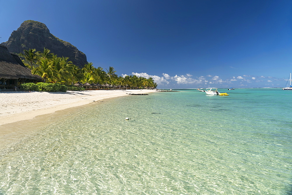 Beach, mountain Le Morne Brabant in the background, peninsula Le Morne, Black River, Mauritius, Africa