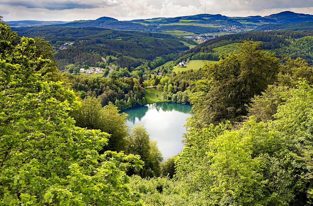 Gemundener Maar, Volcanic Eifel, Vulkaneifel, Schalkenmehren, Rhineland-Palatinate, Germany, Europe