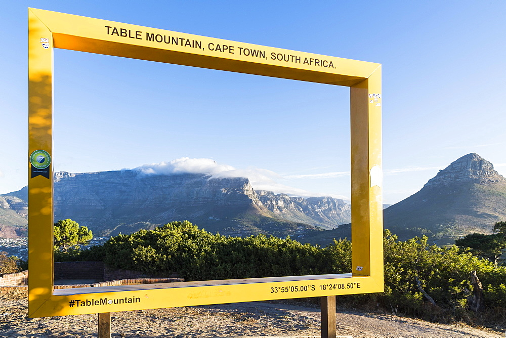 Photopoint at Signal Hill with Tafelberg and Lionshead, Cape Town, Western Cape, South Africa, Africa