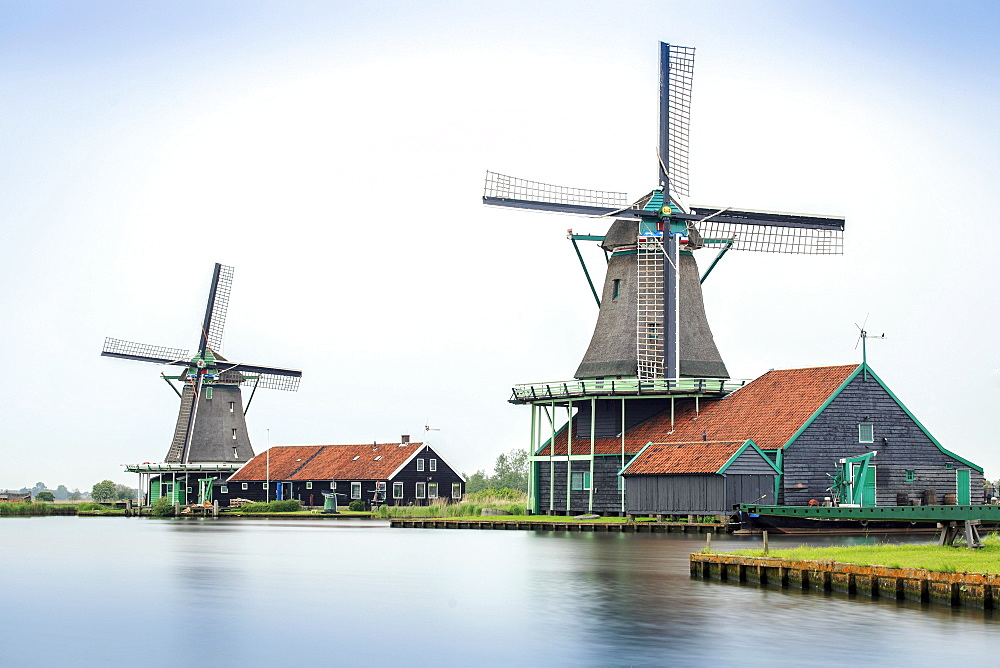 Old windmills, Zaanse Schans, open-air museum, Zaanstad, North Holland, Holland, Netherlands
