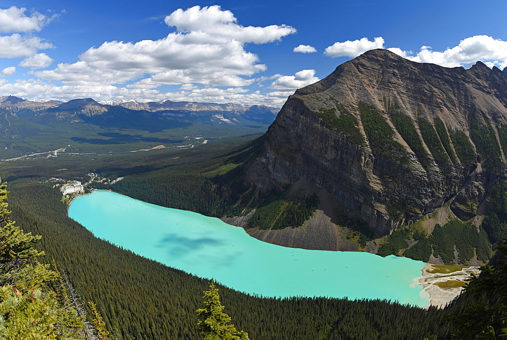 Turquoise Lake Louise with Mount Fairview, view from Icefield Parkway, Banff National Park, Rocky Mountains, Alberta, Canada, North America