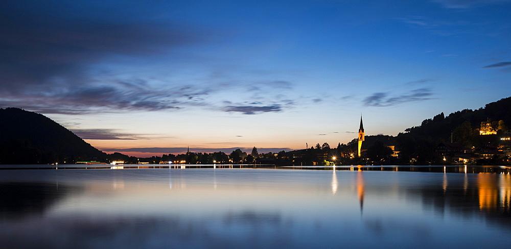Lake Schliersee and St. Sixtus Parish Church at dusk, Schliersee, Upper Bavaria, Bavaria, Germany, Europe