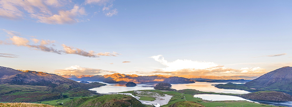 Sunset, panorama view on Wanaka Lake and mountains, Rocky Peak, Glendhu Bay, Otago, Southland, New Zealand, Oceania