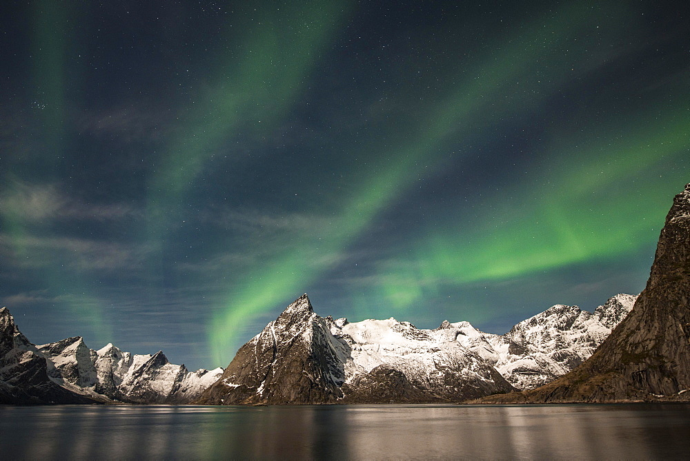 Northern Lights or Aurora Borealis over mountains, Hamnoy, Hamnoy, Reine, Moskenesøy, Lofoten, Norway, Europe
