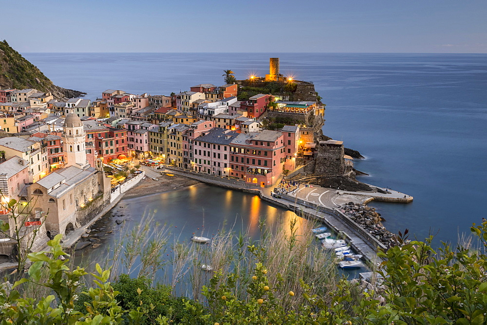 Townscape, colorful houses, evening atmosphere, Vernazza, Cinque Terre National Park, Liguria, Italy, Europe