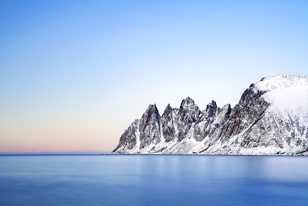 Mountain peaks at Tungeneset, Devil's Teeth, Okshornan Mountain Range, Senja Island, Troms, Norway, Europe