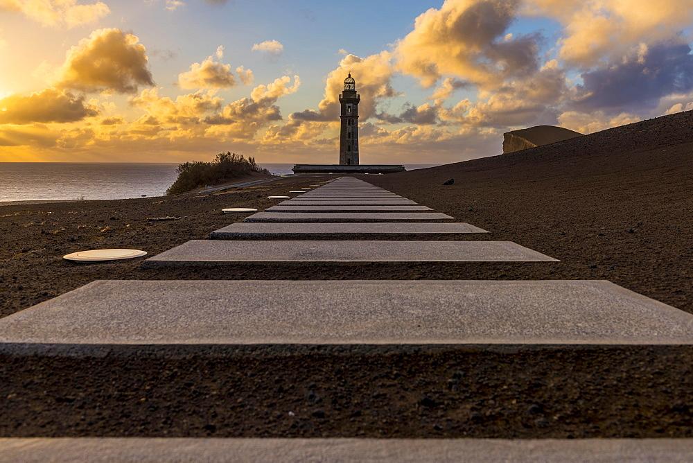 Lighthouse Farol da Ponta dos Capelinhos, Capelinhos peninsula, Island of Faial, Azores, Portugal, Europe