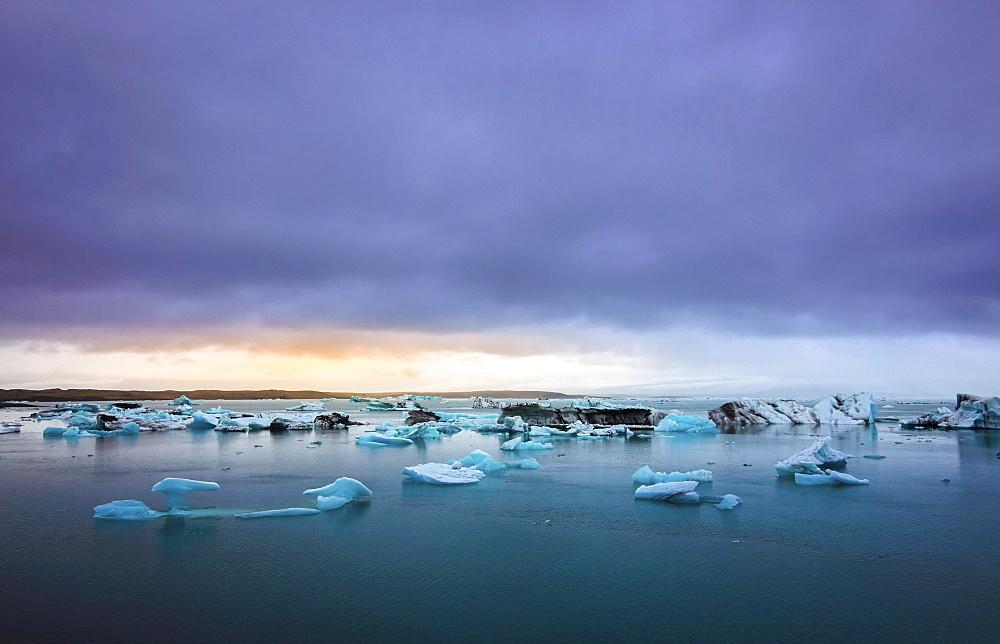 Icebergs, glacier lagoon Jökulsárlón, East Iceland, Iceland, Europe