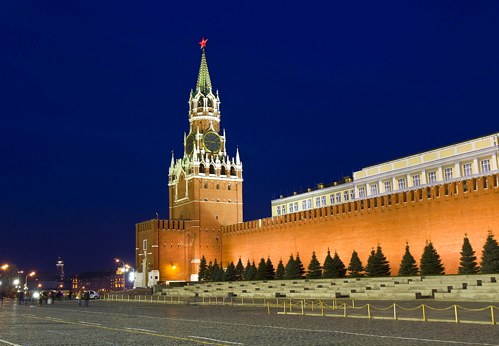 Spasskaya tower of Moscow Kremlin at night, Moscow, Russia, Europe
