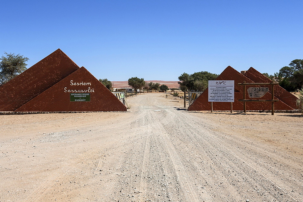Entrance to the Sossusvlei at Sesriem Camp, Namib Desert, Namib Naukluft Park, Namibia, Africa