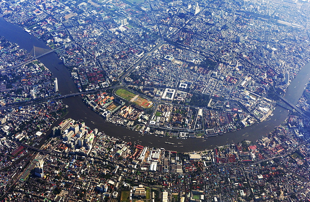 Aerial view of city centre, historic centre and Chao Phraya River, Bangkok Yai District and Bangkok Noi District, Bangkok, Thailand, Asia