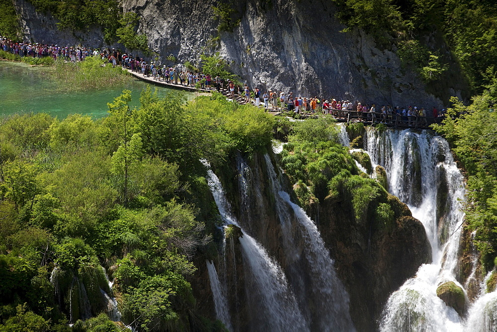 Large Waterfall or Veliki Slap, Plitvice Lakes National Park, UNESCO World Heritage Site, Croatia, Europe