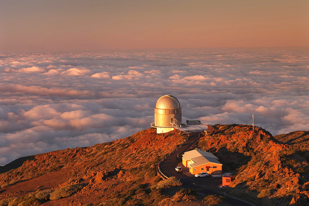 Observatory of the Roque de los Muchachos at sunset, Parque Nacional de la Caldera de Taburiente, La Palma, Canary Islands, Spain, Europe