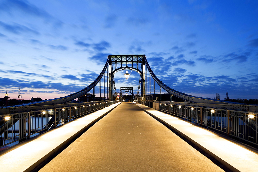Kaiser Wilhelm Bridge, historic swing bridge from 1907 in the harbour, Wilhelmshaven, Lower Saxony, Germany, Europe