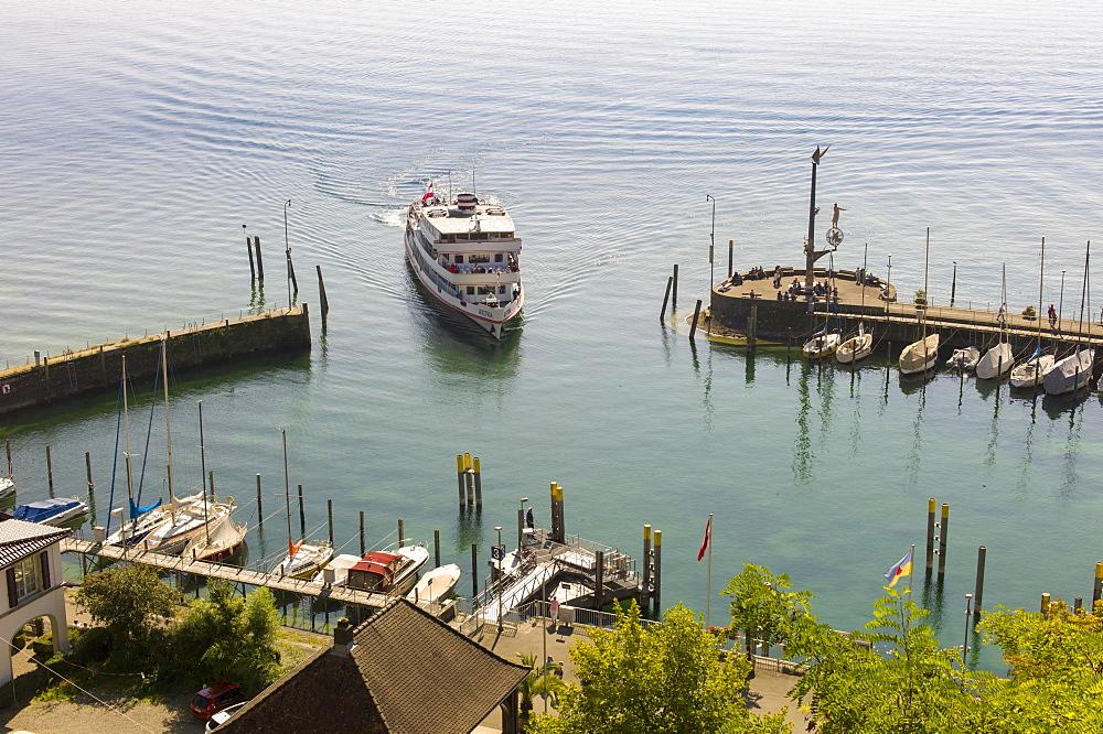 Pleasure boat enters the port of Meersburg, Meersburg, Baden-Wurttemberg, Germany, Europe