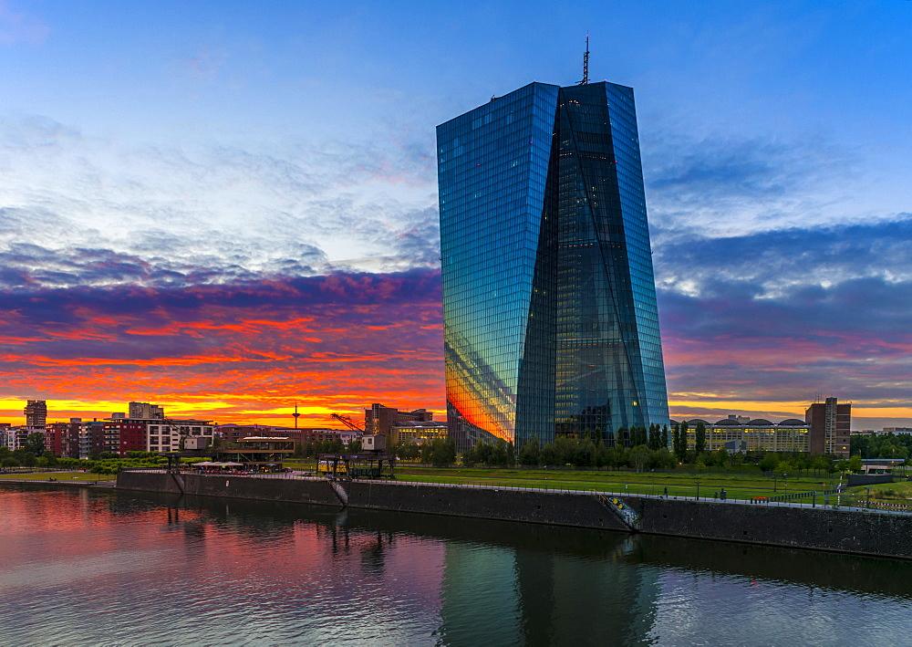 European Central Bank, ECB, after sunset, Frankfurt am Main, Hesse, Germany, Europe