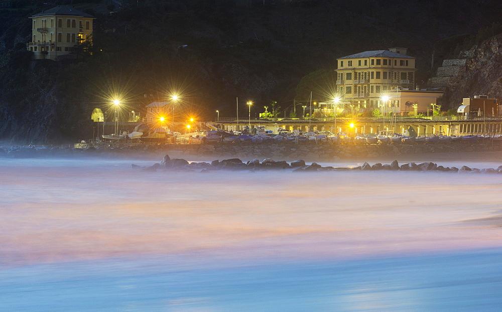 Villas along the beach promenade, Levanto, Liguria, Italy, Europe