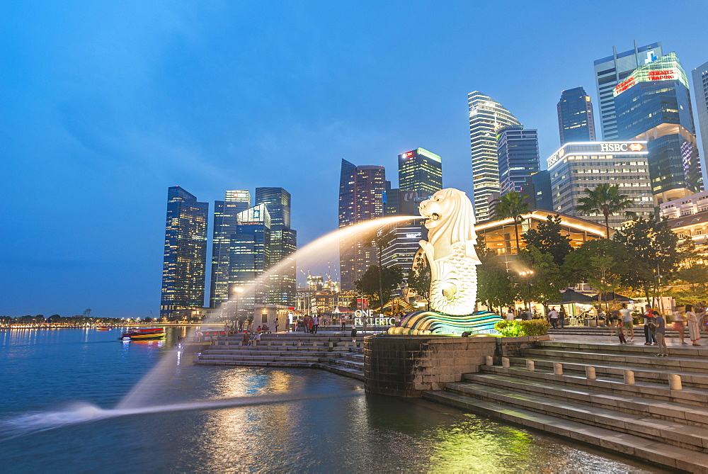 The Merlion, symbol of the city of Singapore, city center skyline, financial center, Finance District, Singapore river, Singapore, Asia