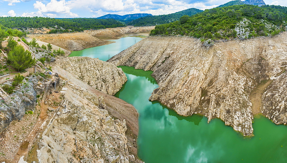 Barrage de Bimont reservoir with lowered water level, Beaurecueil, Provence-Alpes-Côte d'Azur, France, Europe