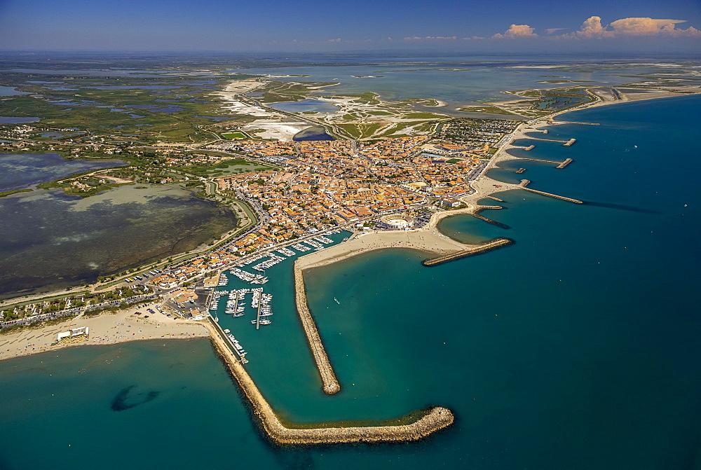 Coastline, Saintes-Maries-de-la-Mer, Camargue, Provence-Alpes-Cote d'Azur, France, Europe
