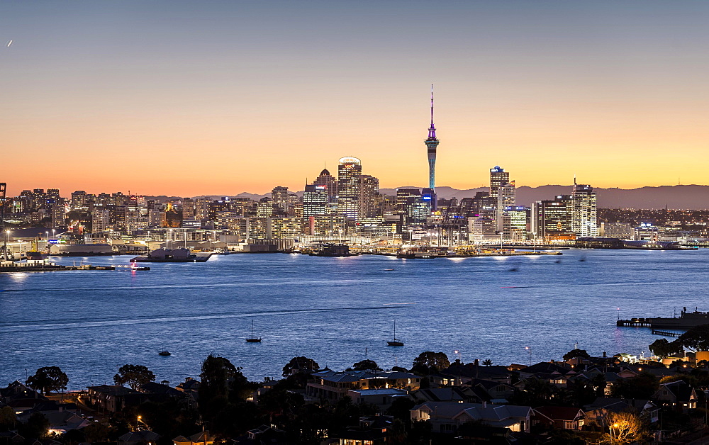 Skyline of Auckland with the Sky Tower at dusk, Auckland, North Island, New Zealand, Oceania