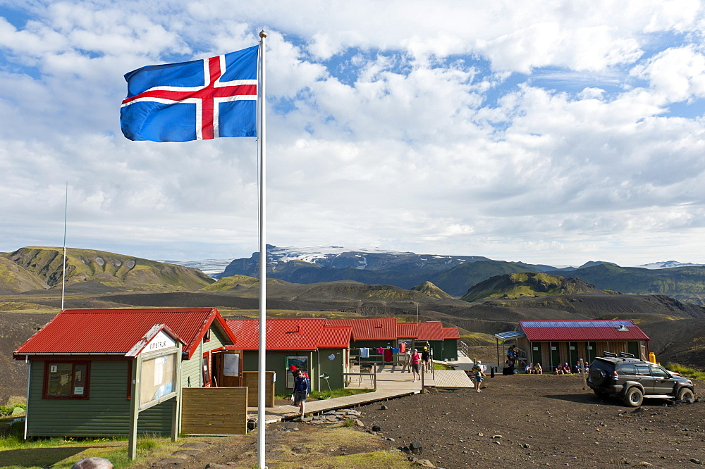 Icelandic National Flag, Emstrur - Botnar Hut at the Laugavegur hiking trail, Rangarping ytra, Iceland, Scandinavia, Europe