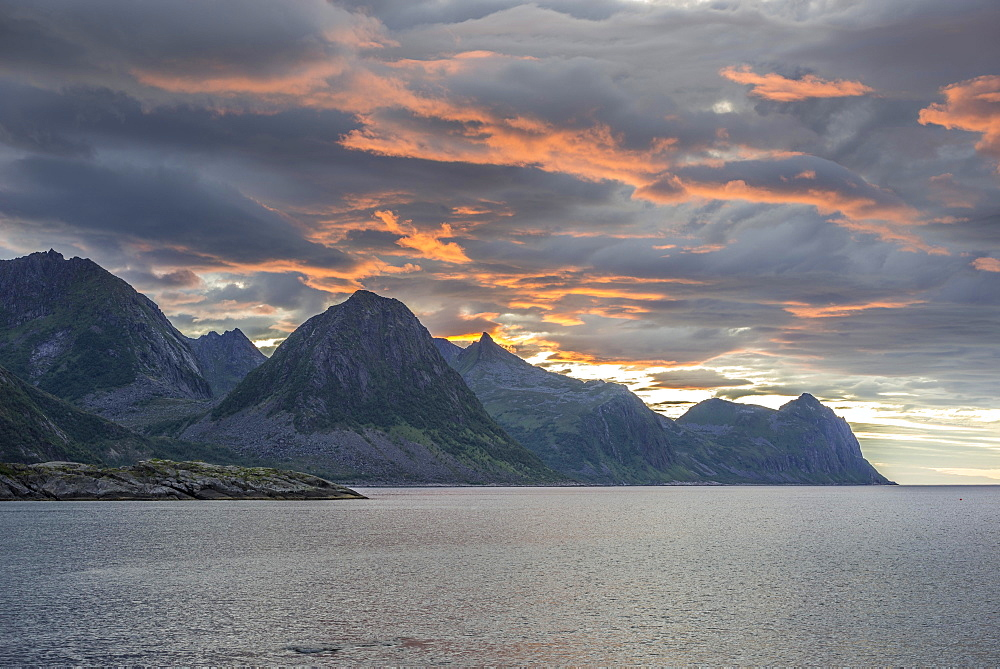 Coast near Husoy in the evening light, Senja Island, Troms, Norway, Europe