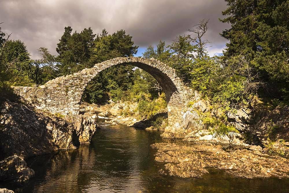 Old Stone Bridge, Highlands, Carrbridge, Cairngorms National Park, Highland, Scotland, Great Britain