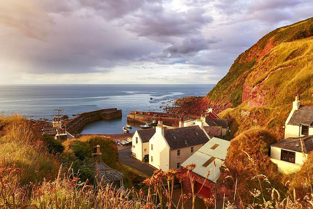 Fishing village Pennan in the evening light, Aberdeenshire, Scotland, Great Britain