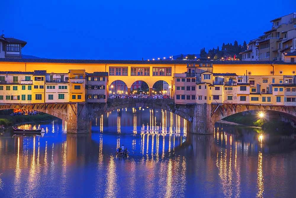 Ponte Vecchio at dawn, Florence, Tuscany, Italy, Europe