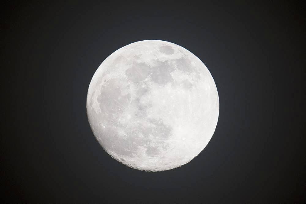 Full moon, night sky, Emsland, Lower Saxony, Germany, Europe