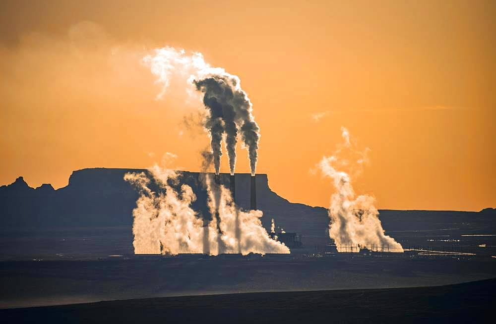 Steaming Chimneys, Navajo Coal-fired Generating Station in Morning Light, Backlight, Navajo Nation Reservation, Page, Arizona, USA, North America