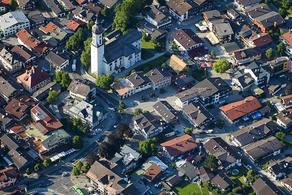 Town centre with church and pedestrian zone, Garmisch-Partenkirchen, Bavaria, Upper Bavaria, Germany, Europe