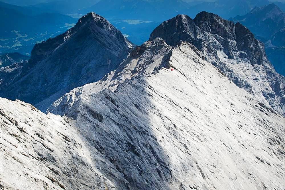 Jubilaeumsgrat with bivouac box in front of Alpspitze and Hochblassen, Wetterstein range, Garmisch-Partenkirchen, Bavaria, Upper Bavaria, Germany, Europe
