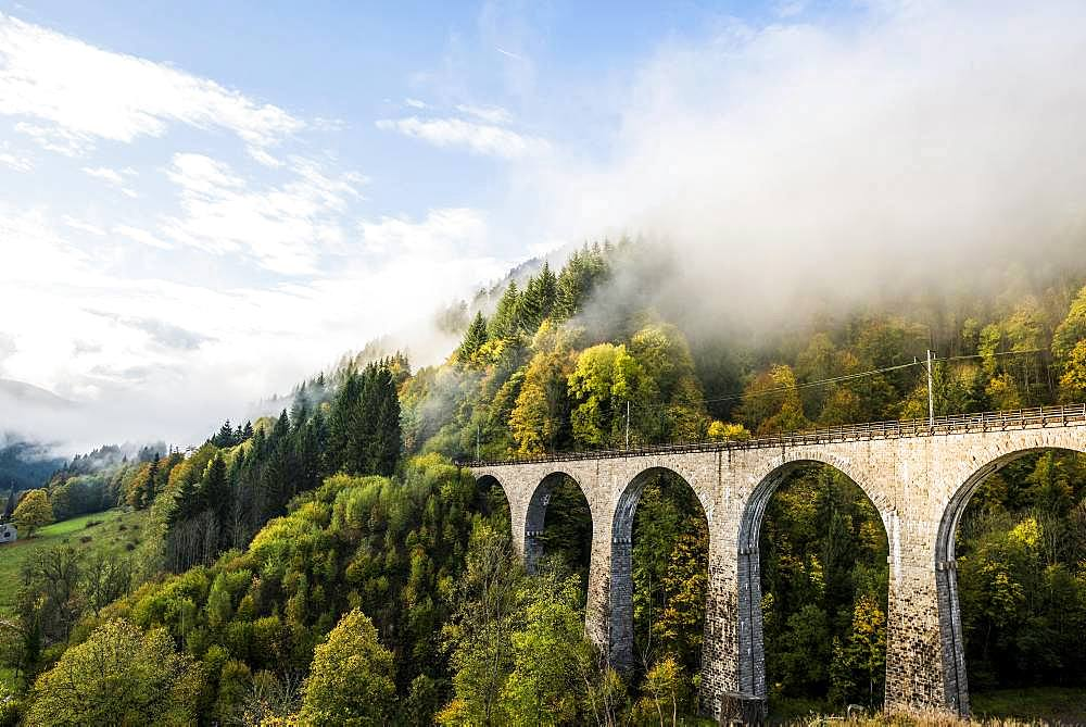 Railway bridge in the Ravenna gorge, Hoellental in autumn, near Freiburg im Breisgau, Black Forest, Baden-Wuerttemberg, Germany, Europe