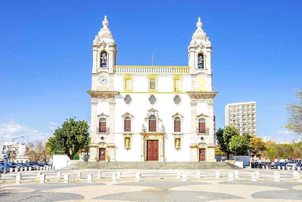 Catholic church Igreja do Carmo, Faro, Algarve, Portugal, Europe