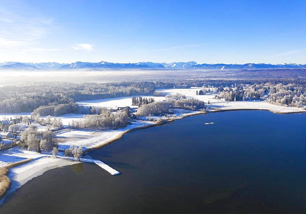 Winter landscape at Starnberger See, Sankt Heinrich near Muensing, Fuenfseenland, drone shot, Alpine foothills, Upper Bavaria, Bavaria, Germany, Europe