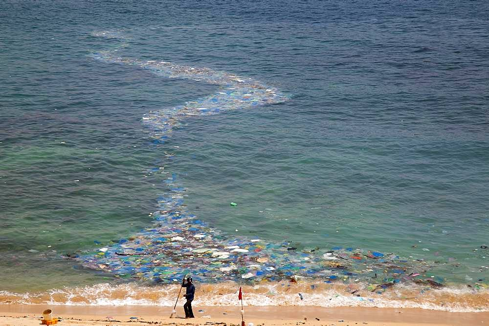 Washed up plastic waste in the sea, beach at Camh Ranh, South China Sea, Ninh Thuan, Vietnam, Asia
